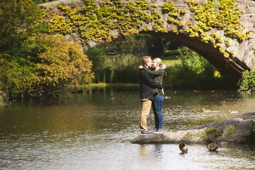 Secret proposal central park gapstow bridge frerk hopf for Secret romantic places nyc
